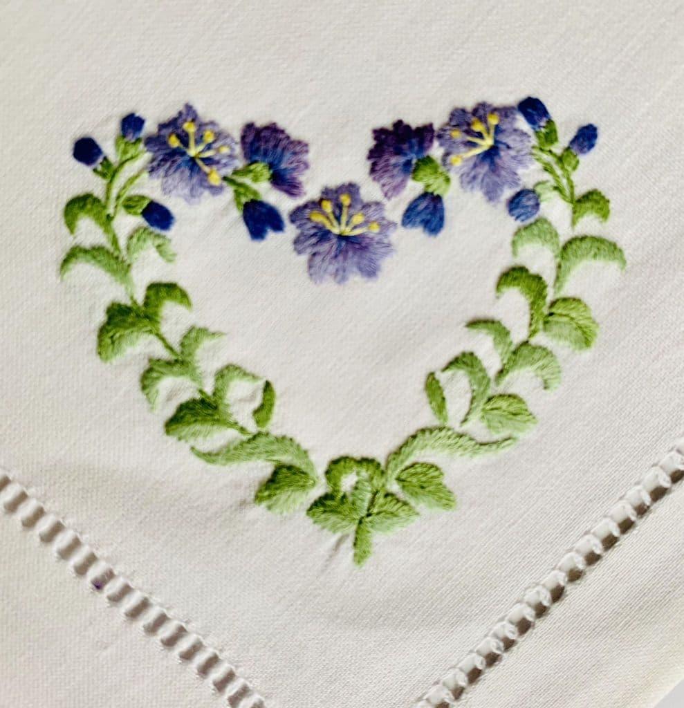 So Pretty Set Of 2 Floral Heart Hand Embroidered Napkins